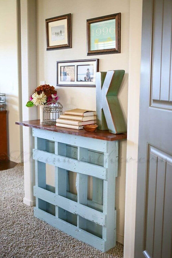Easy DIY Project Pallet Console Table